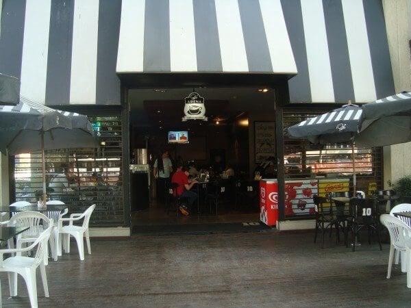 Facahada do Pelé Arena Café que aceita pagamento via celular