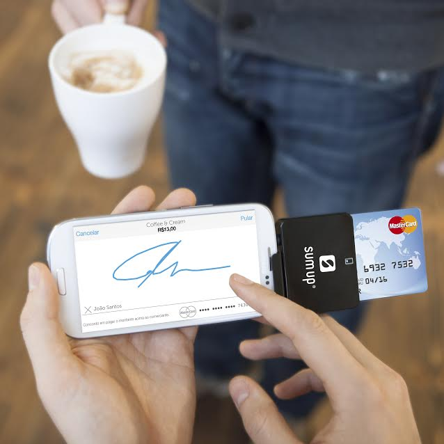 """SumUp 2 - SumUp transforma celular em """"maquininha de cartão"""" e permite venda parcelada e recebimento à vista"""