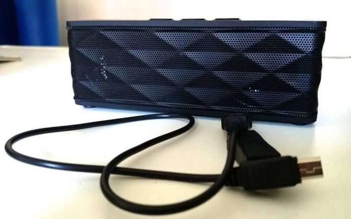 DSC 0067 720x450 - Review: caixa de som portátil Jukebar