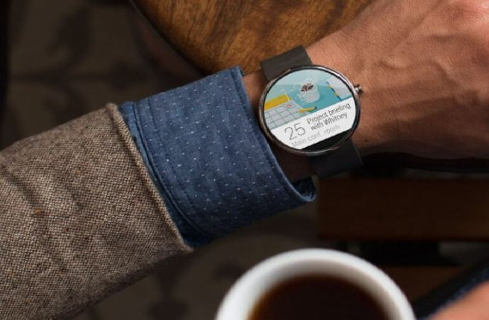 Moto 360 2 720x471 - Relógio inteligente Moto 360 chega até setembro