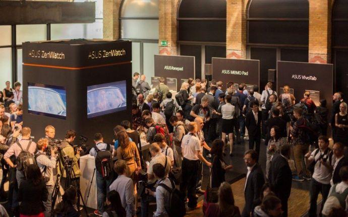 ASUS Demo Area at IFA 2014 1 720x450 - Estilo e design são apostas da Asus para conquistar o mercado de smartwatches, tablets e smartphones
