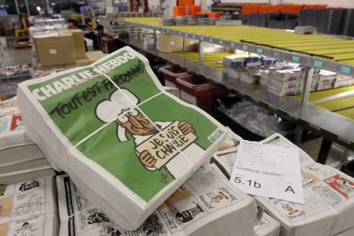 charlie hebdo paris terrorist attack 720x480 - Edição histórica do jornal Charlie Hebdo está disponível na internet