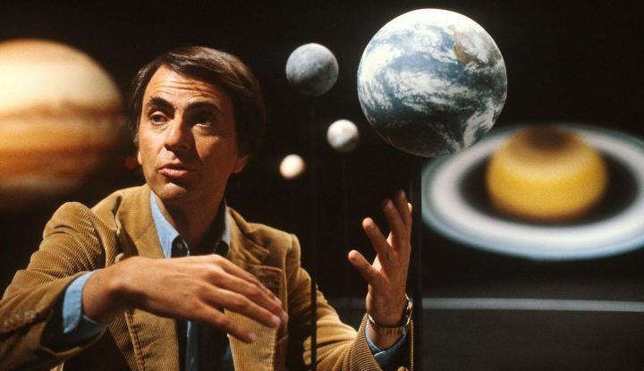 """carlsagan 720x415 - Segunda temporada de """"Cosmos: A Spacetime Odyssey"""" permanece em suspense"""