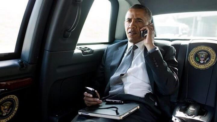 smt-obama-blackberry