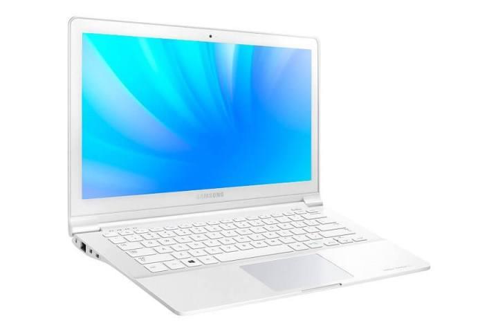 Samsung-ATIV-Book-9-Lite_NP905S3G-KD1BR-3