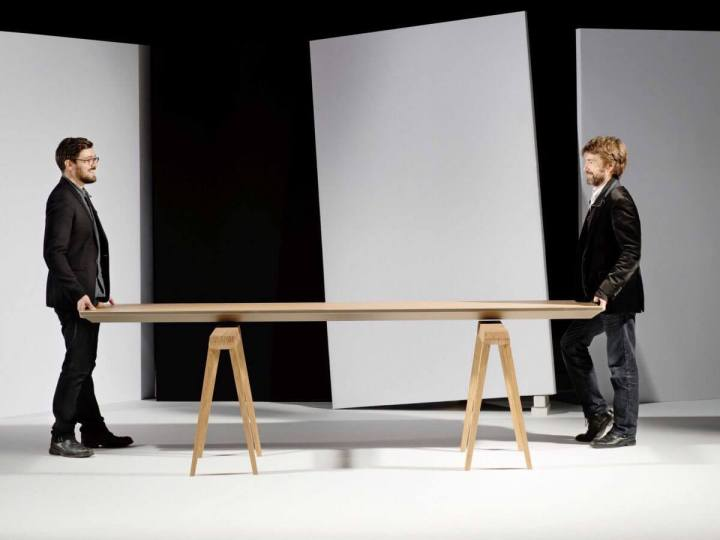 smt zef table 01 720x540 - ZEF Climatic é uma mesa que pode aposentar seu ar-condicionado
