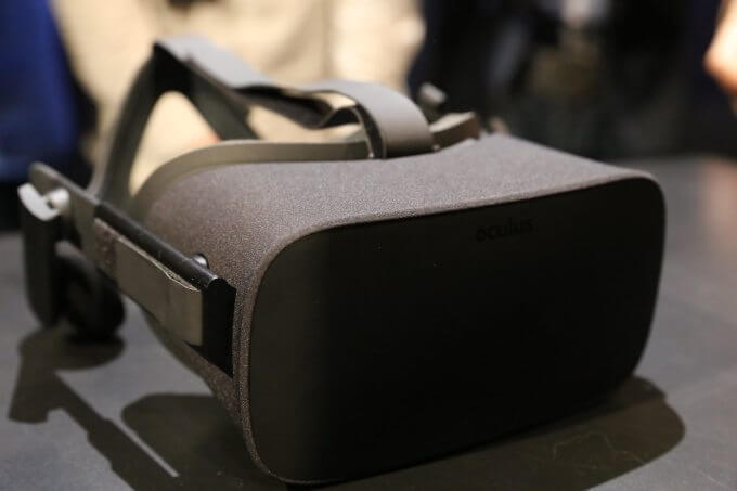 Oculus Rift, em sua versão final (imagem/reprodução)