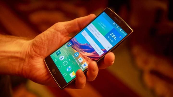 lg g flex 2 1868 720x405 - Review: LG G Flex 2, o smartphone curvo e potente
