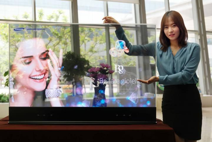 smt samsungoled display 720x483 - Samsung apresenta o futuro com seus novos displays de OLED