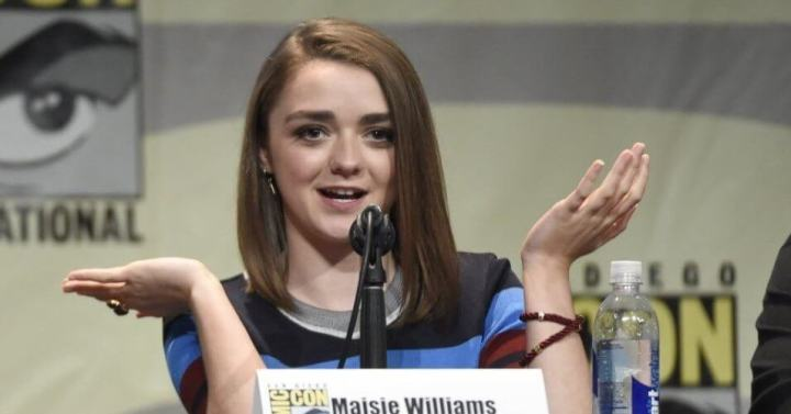 10jul2015 a atriz maisie williams a arya stark de game of thrones fala aos fas da serie na comic con 2015 1436570599058 956x500 720x377 - Questão de Estado: Obama questiona escritor de GoT sobre destino de personagem