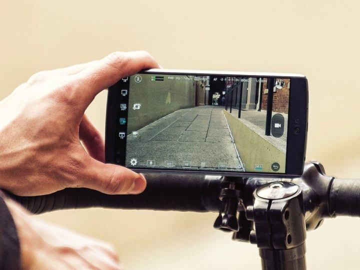 lg v10 press shots 7 720x540 - LG anuncia V10, smartphone com 2 telas e 3 câmeras
