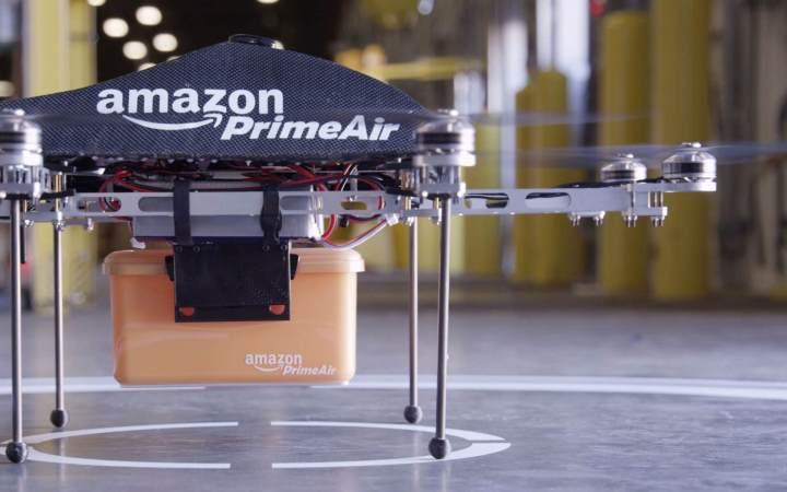 smt drones p2 720x450 - eHANG lança drone capaz de carregar um ser humano e voar a até 100 Km/h