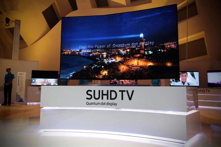 smt samsung smarttvs2 720x480 - CES 2016: Samsung apresenta novidades de imagem e som para 2016