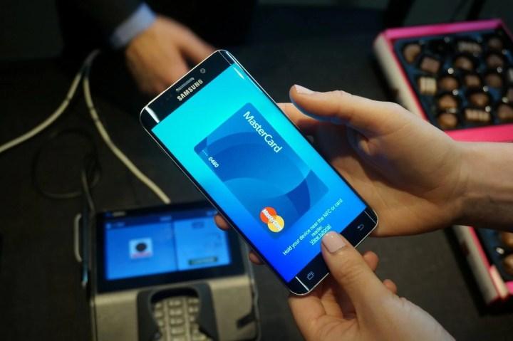 smt samsungpay p3 720x479 - Samsung Pay deve chegar ao Brasil em breve