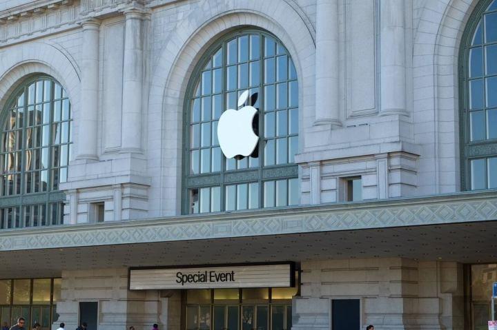 smt iphonese p1 720x479 - Apple apresenta iPhone SE e mais novidades em evento na cidade de Cupertino