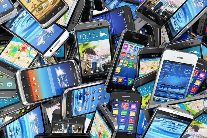 smt lojaslebes p1 720x480 - Guia de Smartphones da Lojas Lebes ajuda clientes a encontrar o aparelho ideal