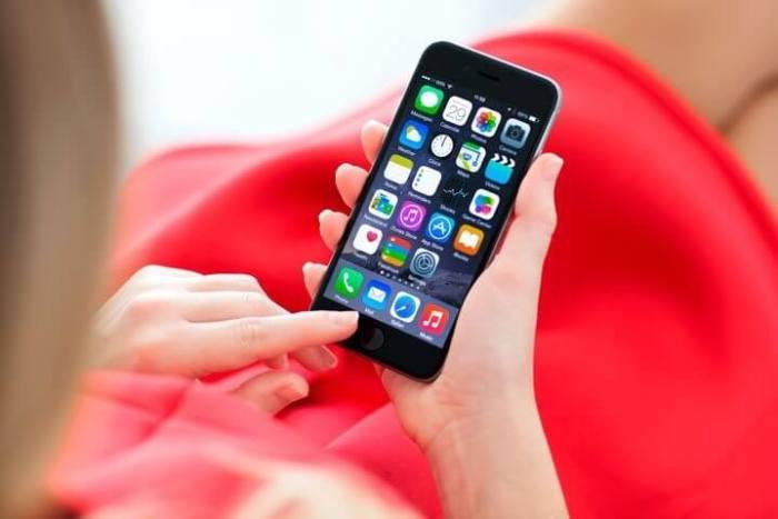 iphone jailbreak shutterstock 229132183 720x480 - Alerta: usuários que fizeram jailbreak em iPhone estão tendo contas roubadas