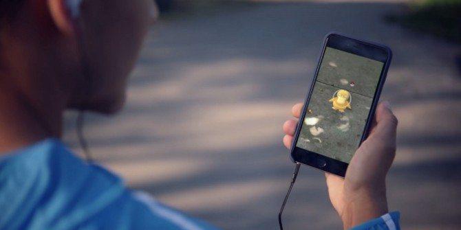 Finding a Psyduck in Pokemon GO - Urgente: Pokémon Go é lançado no Brasil