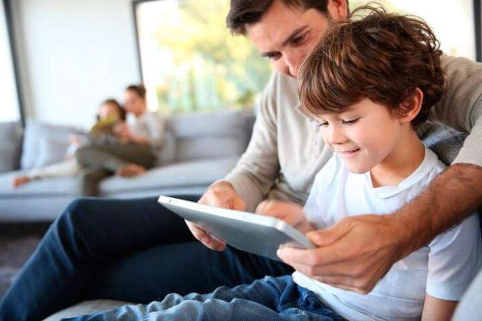 dia dos pais smt shutterstock 160939232 720x480 - Dia dos pais: 7 presentes para pais que amam tecnologia