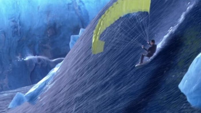 007 - Um Novo Dia Para Morrer - James Bond surfista