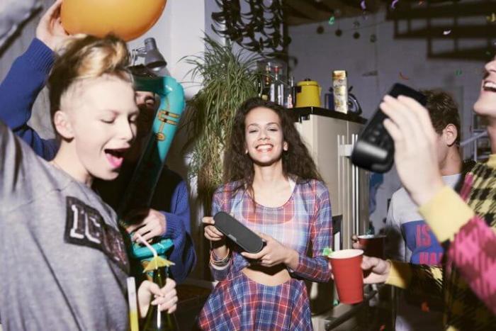 Lista Geek SPEAKERS 720x480 - Sony dá sugestões geek para o Dia das Crianças