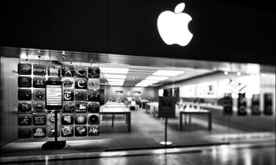 apple-store_ts_lens_empty_bw_01
