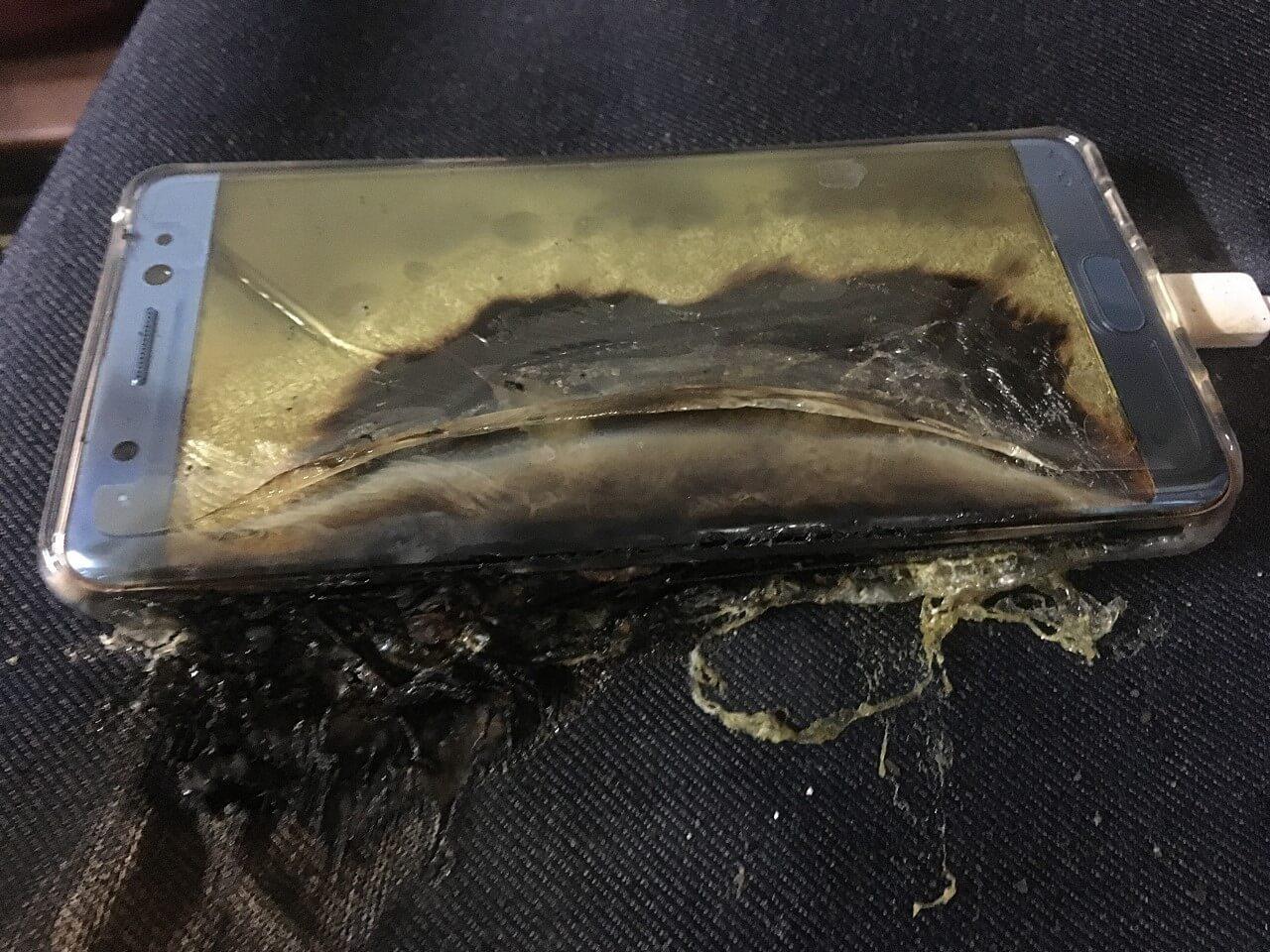 pplware samsung explicacao bateria00 - Por que baterias podem pegar fogo e até explodir?