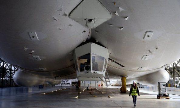imagem frontal do airlander - Primeira aeronave híbrida do mundo está pronta para voar