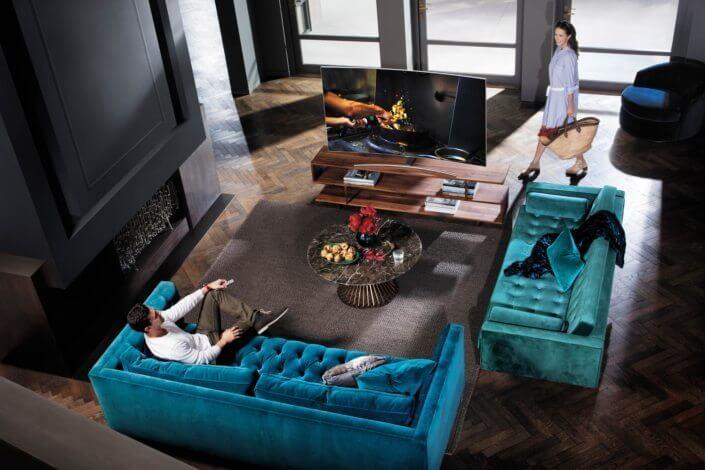 A QLED TV literalmente se integra à sua decoração