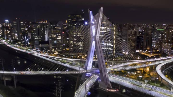 Philips ilumina cartão postal da cidade de São Paulo; veja fotos!