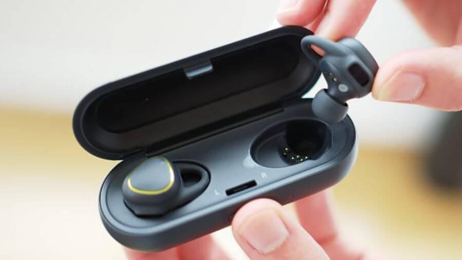 [Rumor] Galaxy S8 pode vir com um fone de ouvido ao estilo AirPods 9