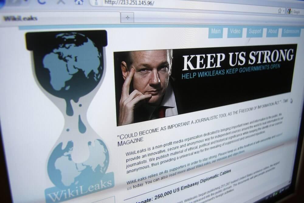 Julian Assange WikiLeaks - Novo vazamento do WikiLeaks afirma que até a sua TV te espiona
