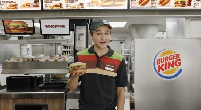 Frame do anuncio - Entenda porquê o comercial do Burger King é polêmico