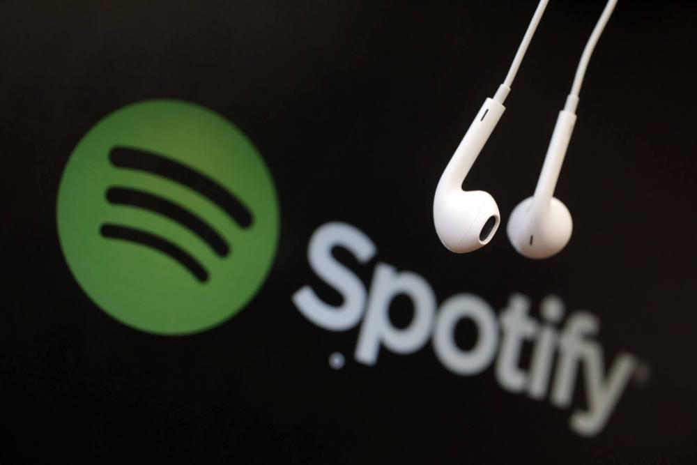 spotify headphones - Assinantes do Spotify vão ouvir novos álbuns com exclusividade