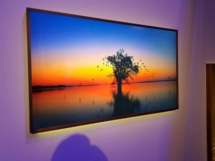 WhatsApp Image 2017 10 03 at 19.18.32 720x540 - The Frame: Samsung anuncia Smart TV como obra de arte
