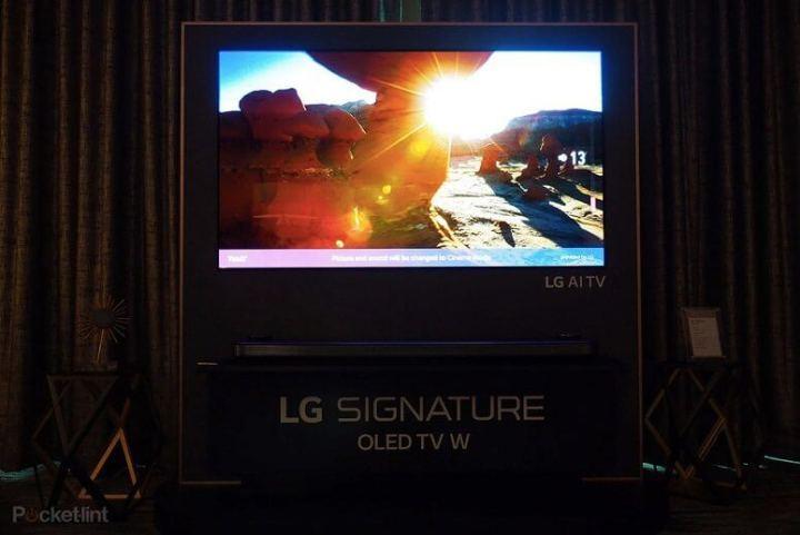 143350 tv review hands on lg w8 tv review image1 h6tvb1arj9 720x481 - LG coleciona mais de 90 prêmios pelos produtos apresentados na CES 2018
