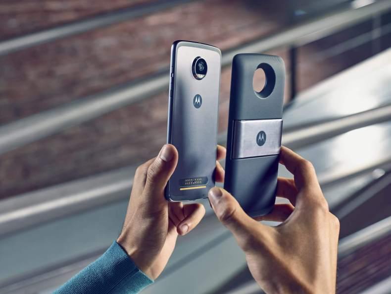 MotoPowerPack TV Digital 4 - Motorola lança no Brasil Snap de TV digital com bateria inclusa
