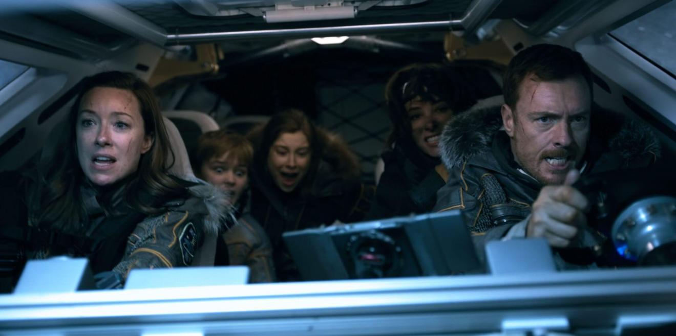 A família Robinson está de volta: Perdidos no Espaço já está disponível 6