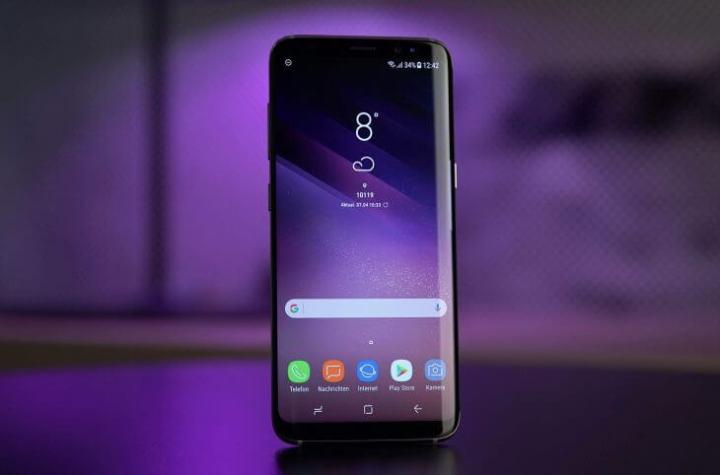 samsung galaxy s8 uhd 4k wallpaper 730x482 720x475 - Galaxy S9 foi a responsável pela foto de capa da Vogue desse mês