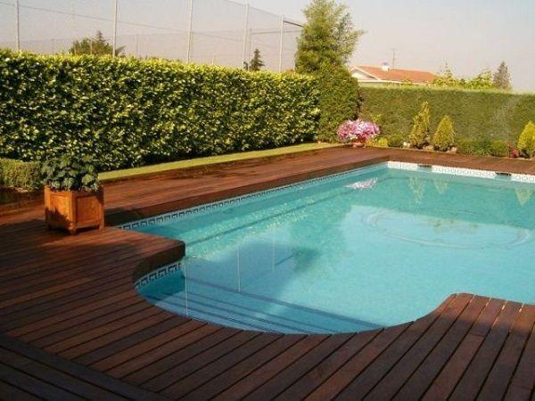 piscina en el chalet