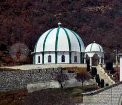 Mrekullia e teqesë së Baba Aliut, në majën e kodrës së Alipostivanit. -