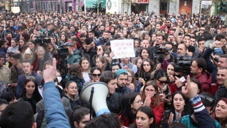 Dhoma e Fasonistëve të Shqipërisë u del në krah studentëve: Ju mbështesim pa më të voglën mëdyshje. -