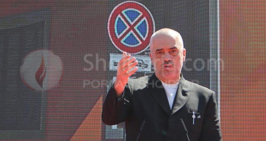 Rama në delir, i vetmi njeri i sakte ne Shqiperi. - Sulmon mediat dhe gazetarët: Derra, zuzarë, kazan…kadrinj. -