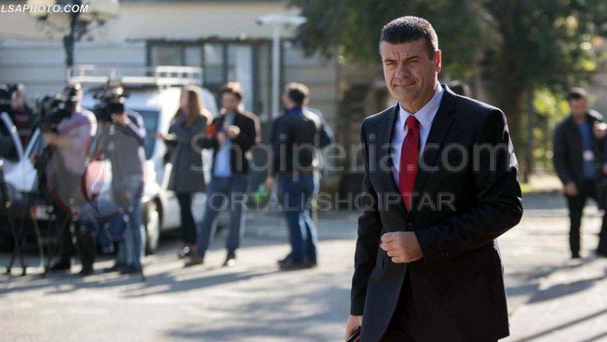 Astrit Patozi zyrtarisht me Parti, regjistrohet në Gjykatë 'Bindja Demokratike'