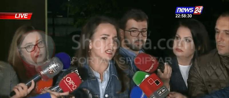 """""""Sot dështoi politika e vjetër, i mbylli derën shqiptarëve e SHBA"""", reagon Rudina Hajdari me tone të forta: Nuk dorëzohemi!"""