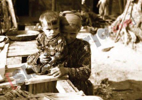 Disa nga pamjet që dëshmojnë mbërritjen e refugjatëve çamë në Shqipëri, në vitin 1945 1 me logo