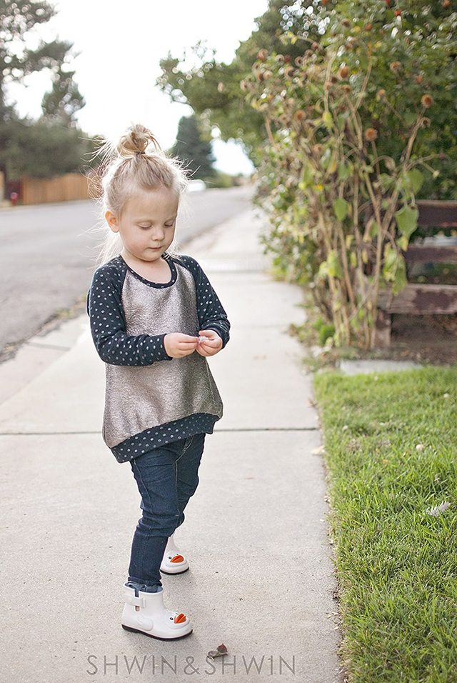 Free Fall Sewing Projects and Patterns - Raglan Kids Sweatshirt