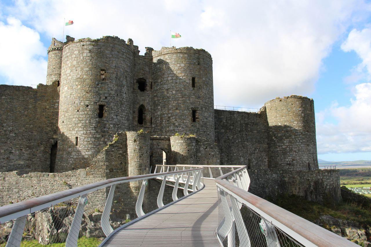 Harlech Castle Footbridge Sh Structures