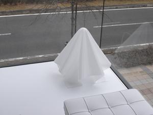"""倉俣史朗デザインのランプ""""オバQ""""がマッチしています"""