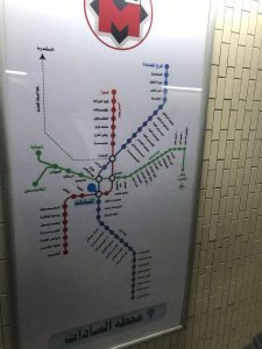 此為埃及地鐵示意圖,完全無編號以及英文,令旅人倒抽好幾口氣。